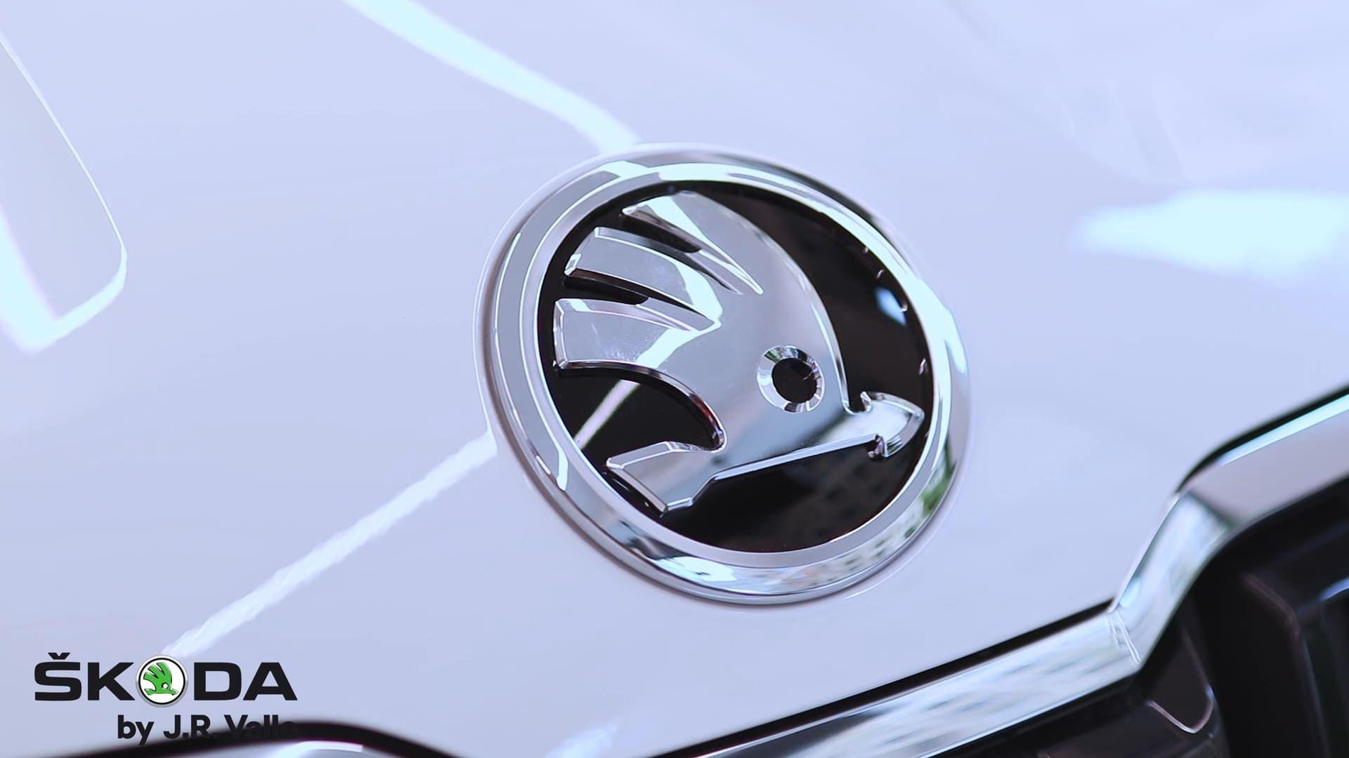 Logo coche Skoda by J.R. Valle City Store Valencia
