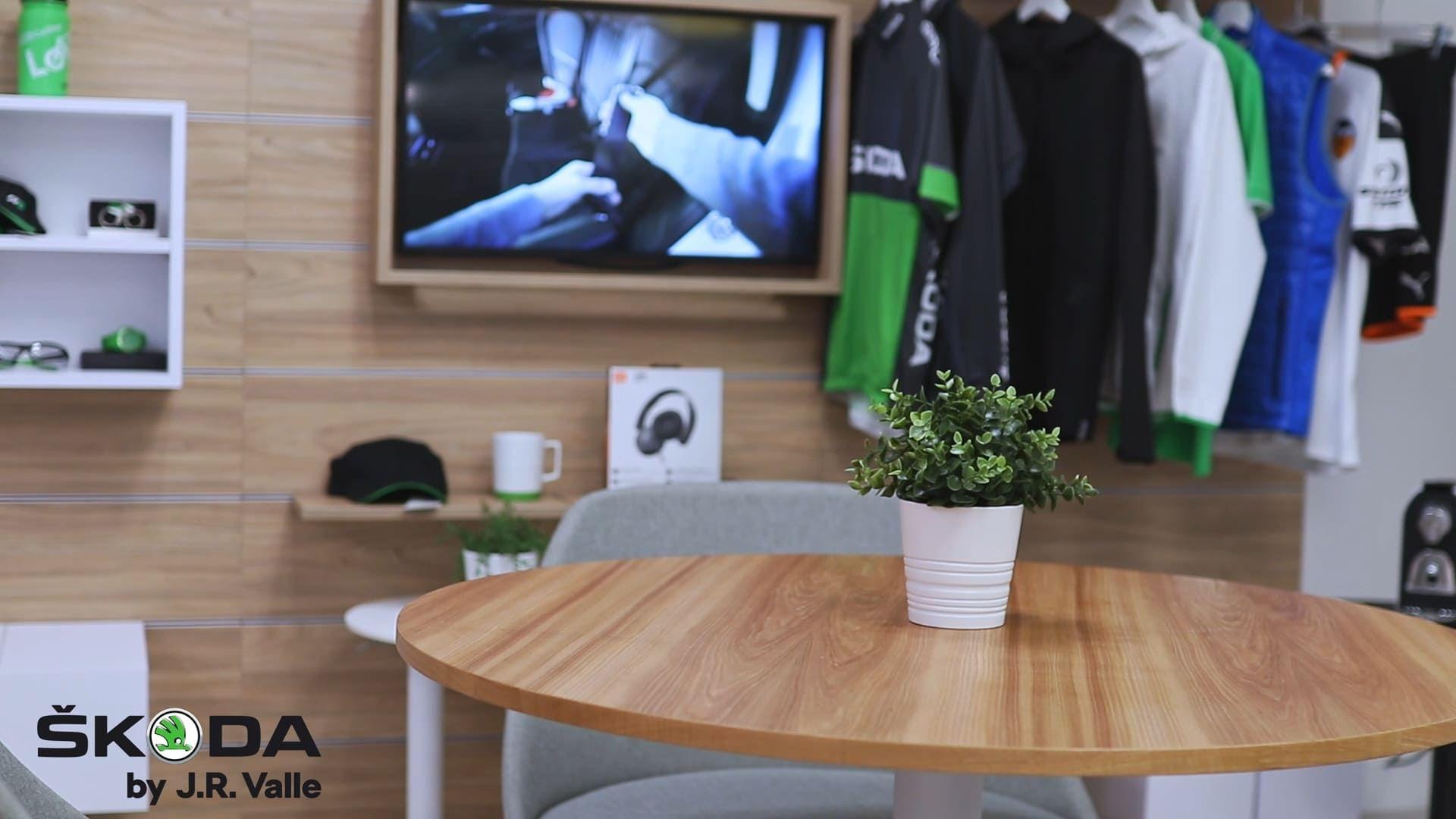 Interior City Store Skoda by J.R. Valle Valencia